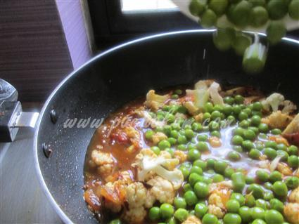 Step 8 Cauliflower And Green Peas With Milk Curdle Recipe
