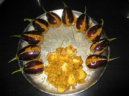 Step 4 Stuffed Brinjal (Bharela Vangi) (Step By Step Phot Recipe
