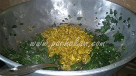 Step 6 Drumstick Leaves And Banana Flower Poriyal Recipe