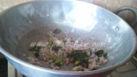 Step 4 Drumstick Leaves And Banana Flower Poriyal Recipe