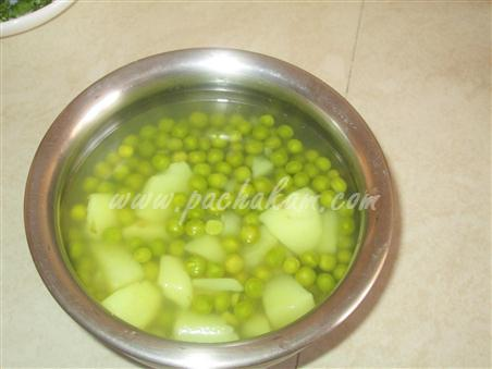 Step 1 Green Peas Curry Recipe