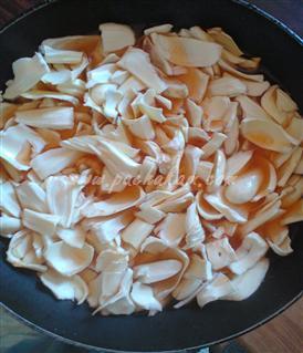 Step 1 Naadan Chakka Varavittathu Recipe